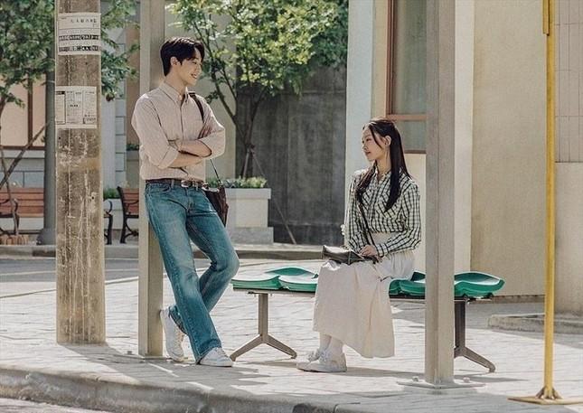 """Phim Hàn tháng 5 toàn các cặp đôi đẹp như mơ, """"hóng"""" nhất Park Bo Young - Seo In Guk ảnh 2"""