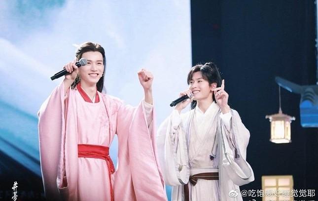 """""""Sơn Hà Lệnh"""" khép lại bằng đêm concert đáng nhớ, nhưng phim """"Lưu Ly"""" lại bị nhắc tên ảnh 1"""