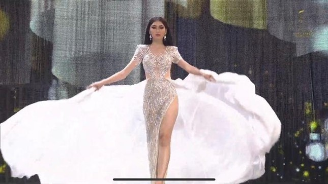 Bán kết Miss Grand International 2020: Ngọc Thảo catwalk thần sầu, hất váy cực ấn tượng ảnh 1