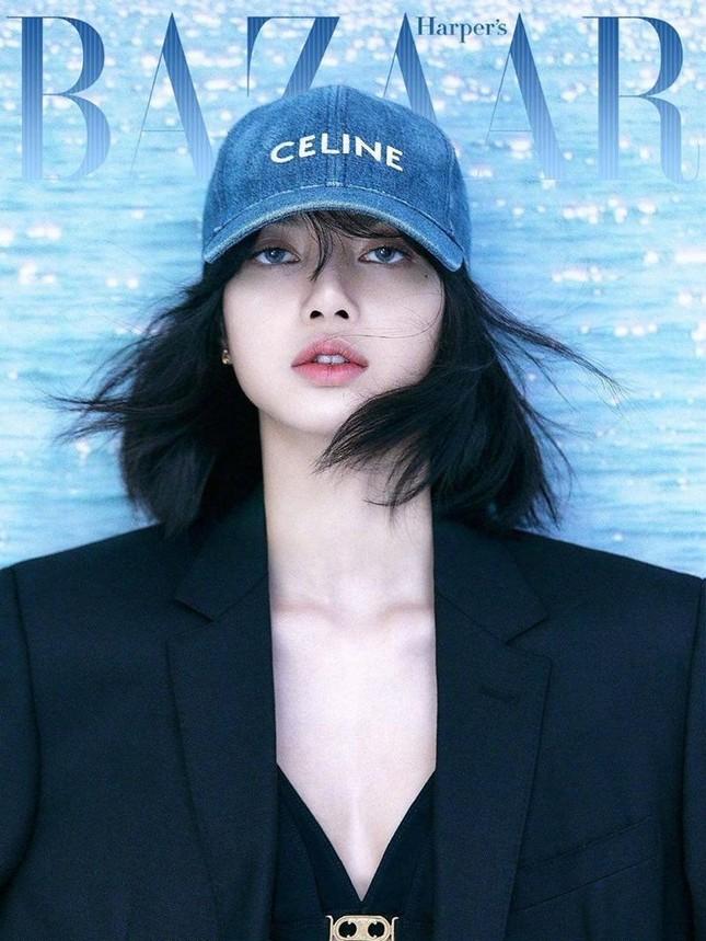 Vì sao loạt ảnh của Lisa (BLACKPINK) bị xóa sạch khỏi Weibo của Harper's BAZAAR? ảnh 1