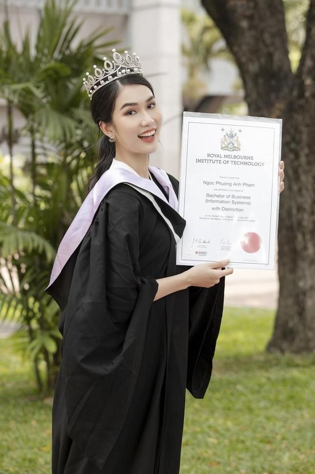 """Á hậu Phương Anh xứng danh """"con nhà người ta"""" với số điểm tốt nghiệp ĐH cao nhất ngành ảnh 8"""