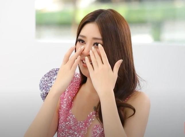 Hoa hậu Khánh Vân chạy đua với thời gian trong thử thách makeup chuẩn bị cho Miss Universe ảnh 4