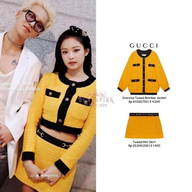 Stylist BLACKPINK cắt xẻ trang phục cho Jennie tài tình thế nào mà đồ Gucci cứ ngỡ Chanel ảnh 2