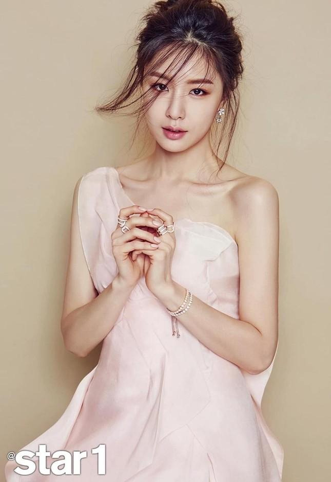 """Hai mỹ nhân họ Seo là """"bạn gái tin đồn"""" của Kim Jung Hyun, nàng nào cũng xứng danh kiều nữ ảnh 6"""