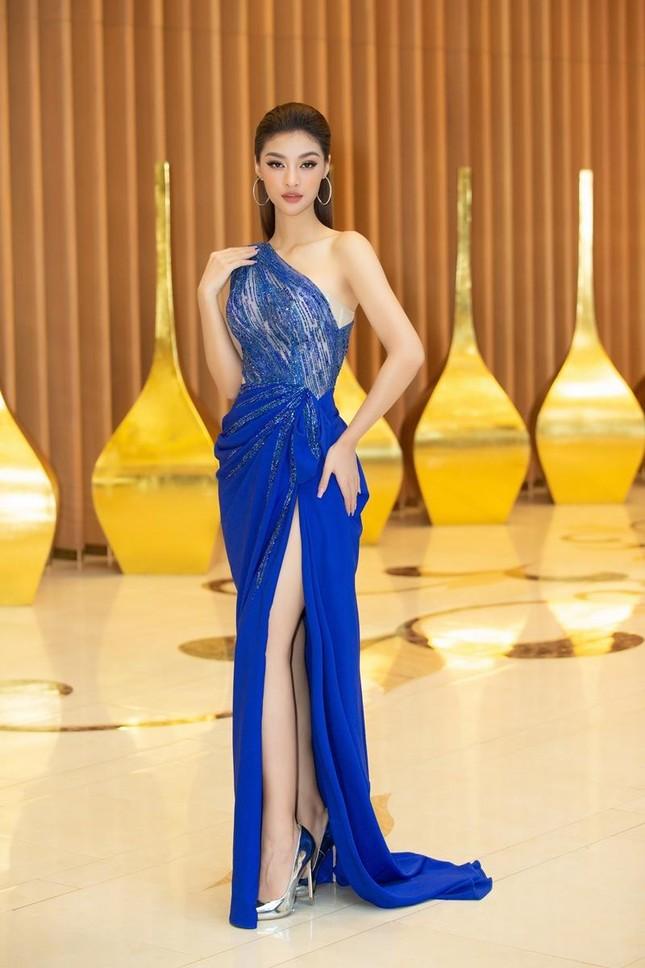 Nhan sắc lộng lẫy của Hoa hậu Lương Thùy Linh gây áp lực với thí sinh Miss World Vietnam ảnh 4