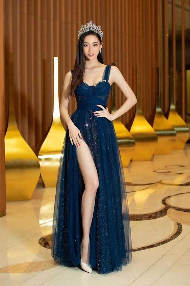 Nhan sắc lộng lẫy của Hoa hậu Lương Thùy Linh gây áp lực với thí sinh Miss World Vietnam ảnh 3
