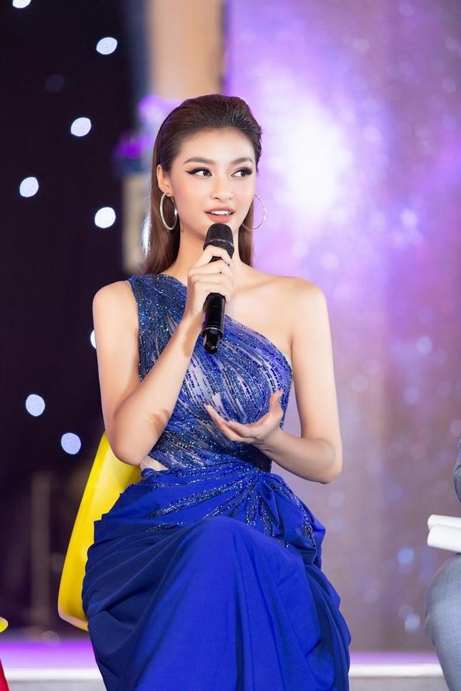 Nhan sắc lộng lẫy của Hoa hậu Lương Thùy Linh gây áp lực với thí sinh Miss World Vietnam ảnh 5