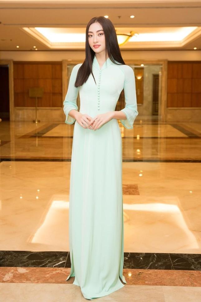 Hoa hậu Đỗ Thị Hà, Tiểu Vy cùng dàn hậu khoe sắc nền nã trong tà áo dài, nhận cương vị mới ảnh 3