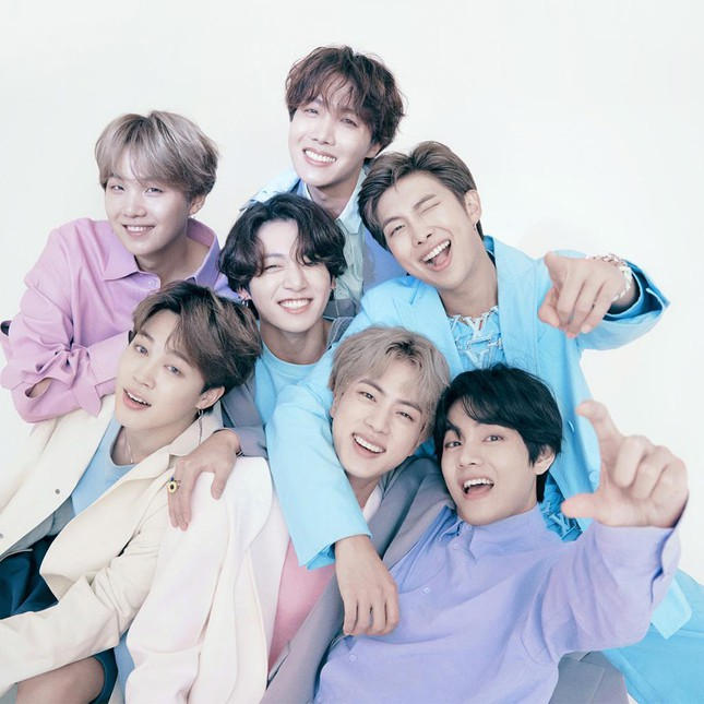 Cả 7 thành viên của BTS gây bất ngờ khi trở thành đại sứ thương hiệu của Louis Vuitton ảnh 2