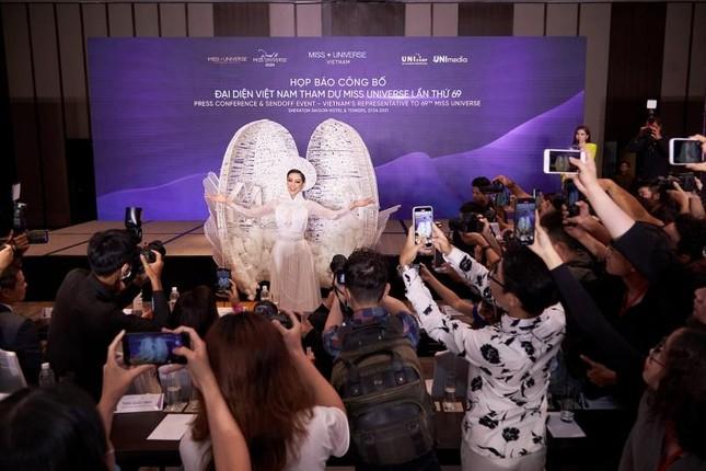 Trang phục dân tộc của Hoa hậu Khánh Vân dự thi Miss Universe lộ diện, có như kỳ vọng? ảnh 2