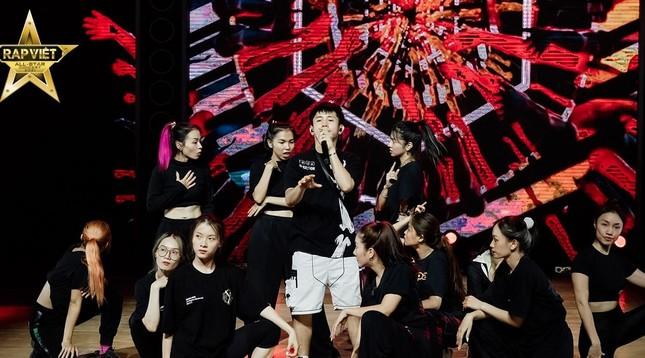 """Rap Việt Concert hé lộ ảnh tổng duyệt, những tiết mục """"đỉnh của chóp"""" nào được trông đợi? ảnh 4"""