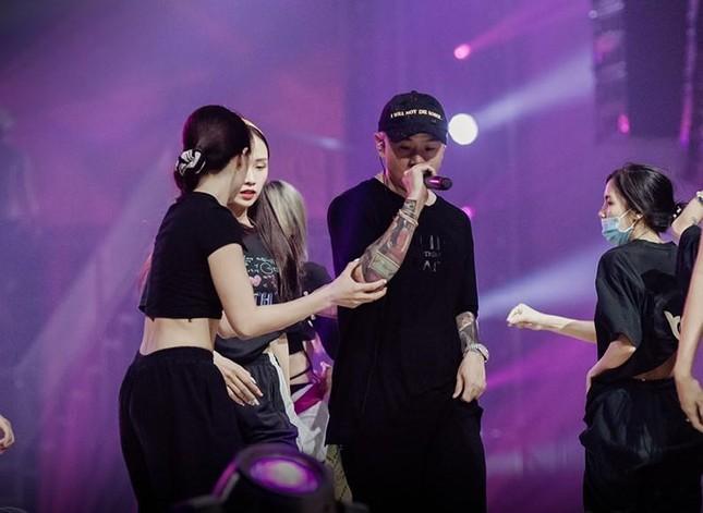 """Rap Việt Concert hé lộ ảnh tổng duyệt, những tiết mục """"đỉnh của chóp"""" nào được trông đợi? ảnh 3"""