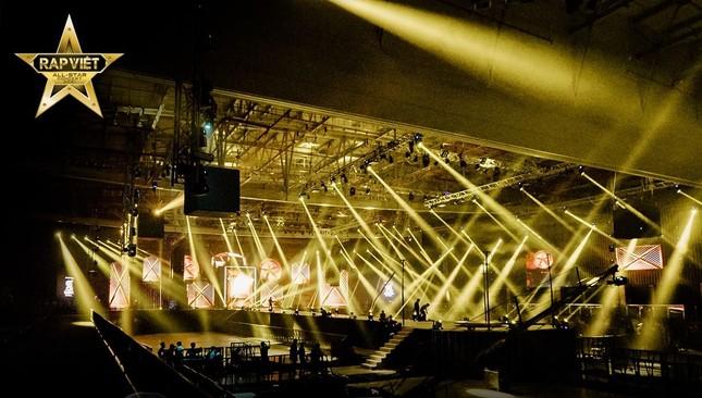 """Rap Việt Concert hé lộ ảnh tổng duyệt, những tiết mục """"đỉnh của chóp"""" nào được trông đợi? ảnh 1"""