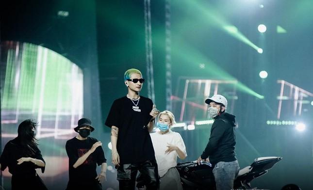 """Rap Việt Concert hé lộ ảnh tổng duyệt, những tiết mục """"đỉnh của chóp"""" nào được trông đợi? ảnh 2"""