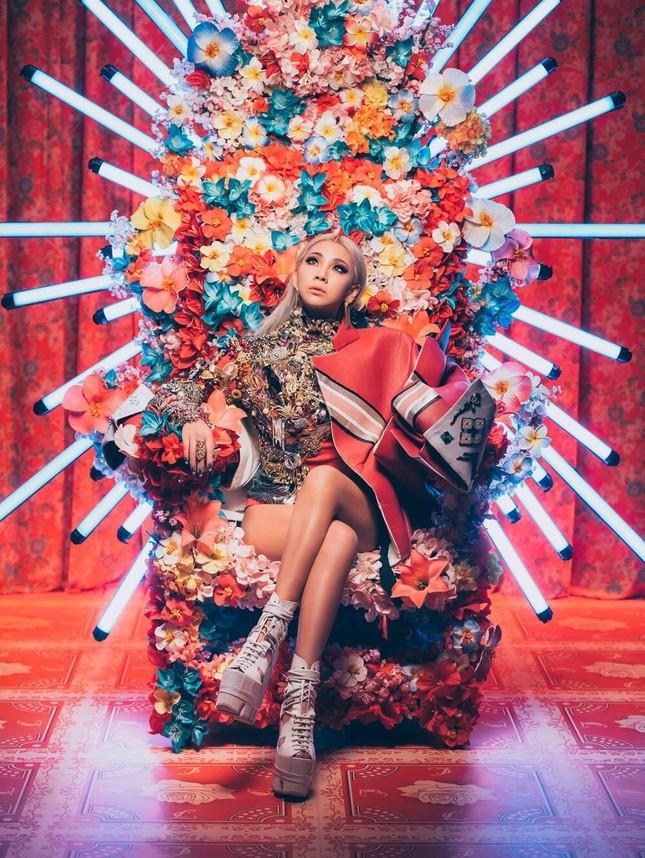 """Hậu nghi vấn """"copy"""" ý tưởng của nail stylist, Chi Pu tiếp tục gặp """"biến"""" trong MV mới ảnh 2"""