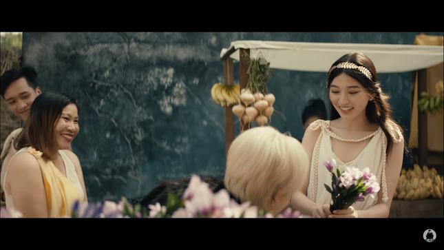 """Nàng thơ trong MV mới của Jack: Hot Instagram đình đám, """"gây bão"""" bởi góc nghiêng hoàn hảo ảnh 7"""