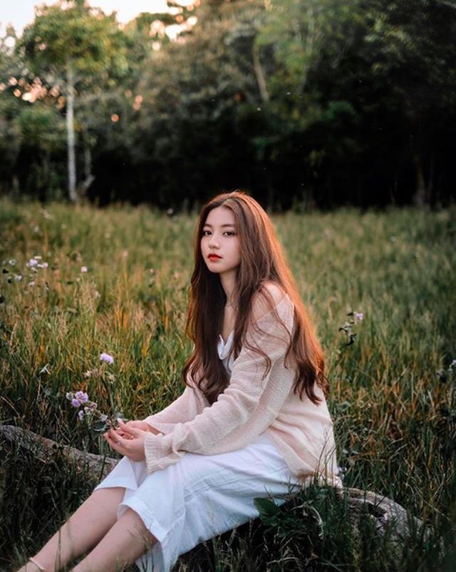 """Nàng thơ trong MV mới của Jack: Hot Instagram đình đám, """"gây bão"""" bởi góc nghiêng hoàn hảo ảnh 5"""