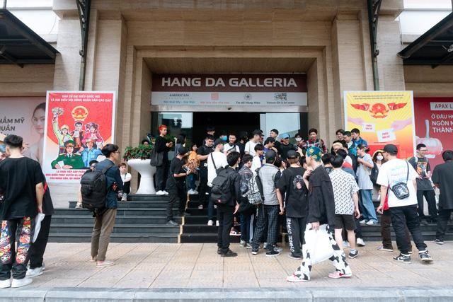 """Casting """"Rap Việt"""" ở Hà Nội: Xếp hàng kín phố, Gừng, Chị Cả và 16 Northside gây xôn xao ảnh 1"""