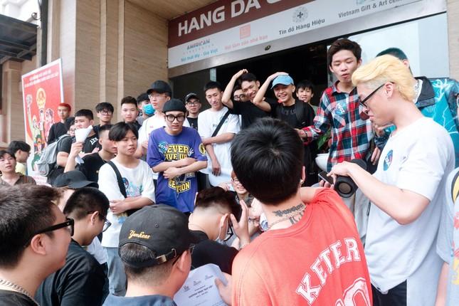 """Casting """"Rap Việt"""" ở Hà Nội: Xếp hàng kín phố, Gừng, Chị Cả và 16 Northside gây xôn xao ảnh 2"""
