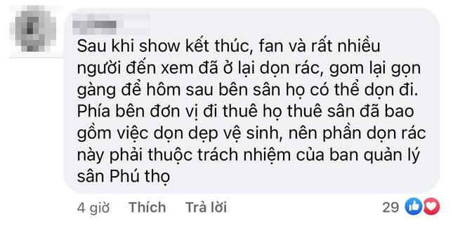 """Liveshow """"Tri Âm"""" của Mỹ Tâm trở thành chủ đề tranh cãi vì hình ảnh SVĐ Phú Thọ ngập rác ảnh 7"""