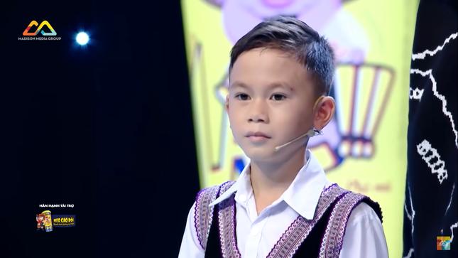 Siêu Tài Năng Nhí: Xúc động trước cuộc sống khó khăn của cậu bé người H'mông ảnh 1