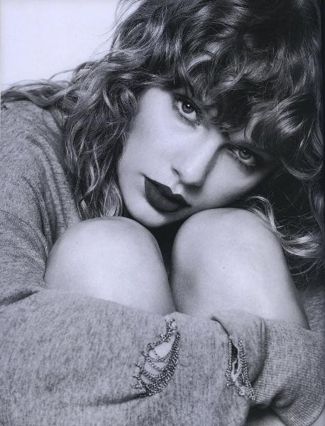 """Album mới chiếm ngôi vương nhưng Taylor Swift lại hát sai lời hit """"You Belong With Me""""? ảnh 4"""