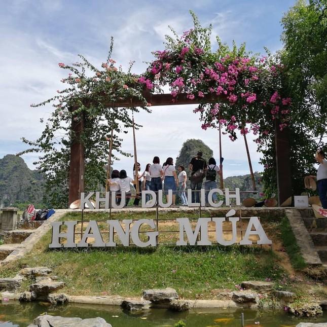 Năm du lịch Quốc gia 2021: Hang Múa (Ninh Bình) trở thành địa điểm được giới trẻ yêu thích ảnh 1