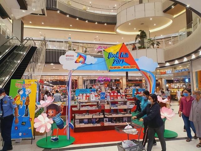 Hàng ngàn ưu đãi hấp dẫn chờ bạn tại nhà sách FAHASA Vinh, Book Fair 2021 vui nổ trời! ảnh 6