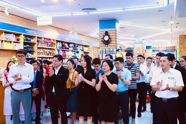 Hàng ngàn ưu đãi hấp dẫn chờ bạn tại nhà sách FAHASA Vinh, Book Fair 2021 vui nổ trời! ảnh 1