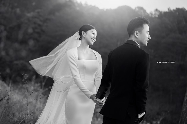 """Bộ ảnh cưới lãng mạn chụp ở Đà Lạt của Phan Mạnh Quỳnh: Nhan sắc cô dâu chiếm """"spolight"""" ảnh 3"""