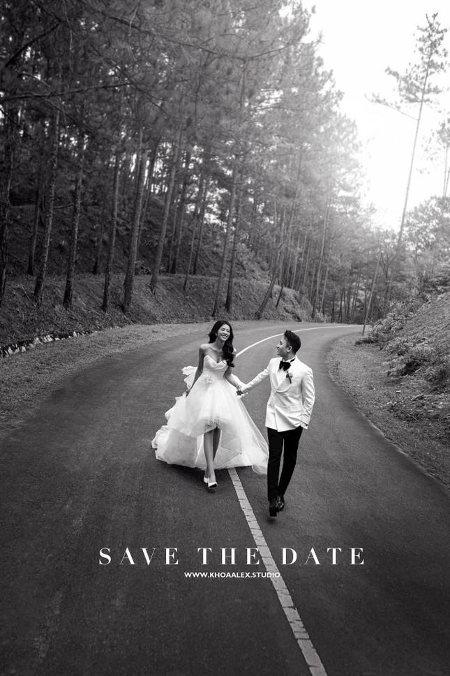 """Bộ ảnh cưới lãng mạn chụp ở Đà Lạt của Phan Mạnh Quỳnh: Nhan sắc cô dâu chiếm """"spolight"""" ảnh 2"""