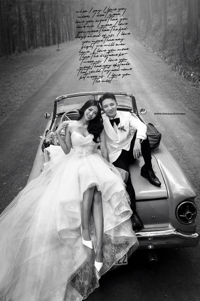 """Bộ ảnh cưới lãng mạn chụp ở Đà Lạt của Phan Mạnh Quỳnh: Nhan sắc cô dâu chiếm """"spolight"""" ảnh 1"""