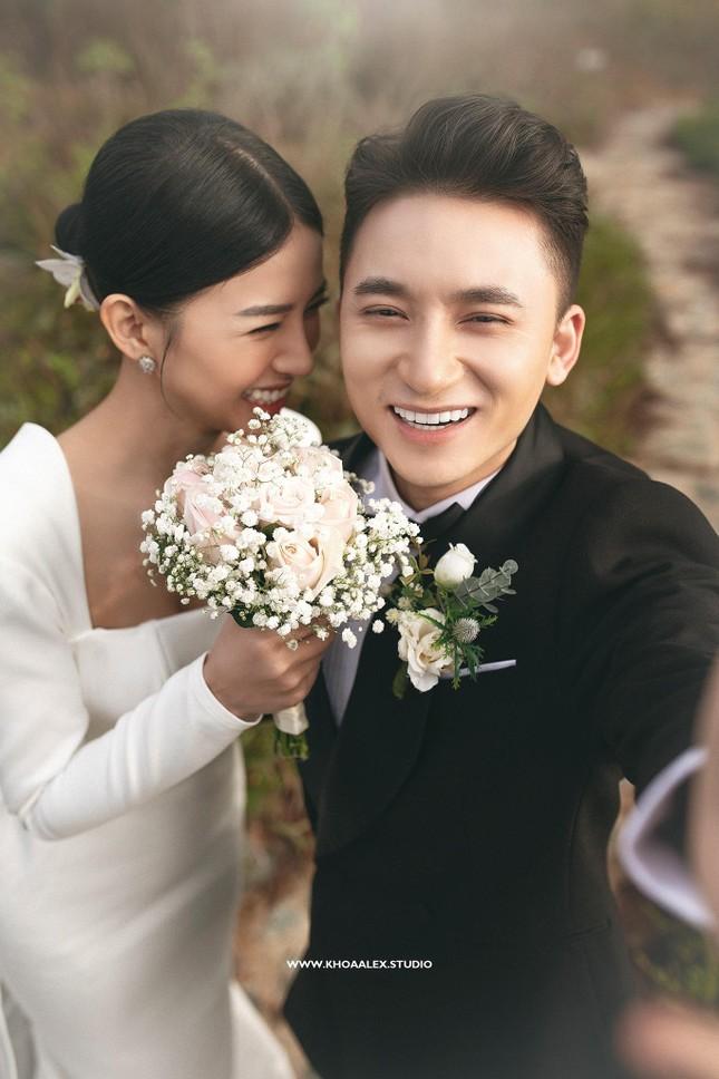 """Bộ ảnh cưới lãng mạn chụp ở Đà Lạt của Phan Mạnh Quỳnh: Nhan sắc cô dâu chiếm """"spolight"""" ảnh 11"""