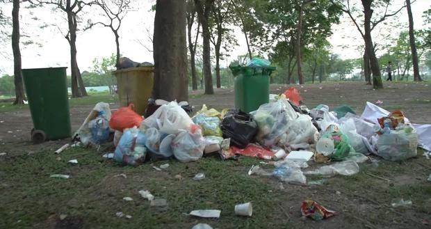Hà Nội: Ngán ngẩm cảnh công viên Yên Sở ngập trong rác thải sau ngày nghỉ lễ ảnh 5