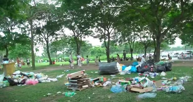 Hà Nội: Ngán ngẩm cảnh công viên Yên Sở ngập trong rác thải sau ngày nghỉ lễ ảnh 6