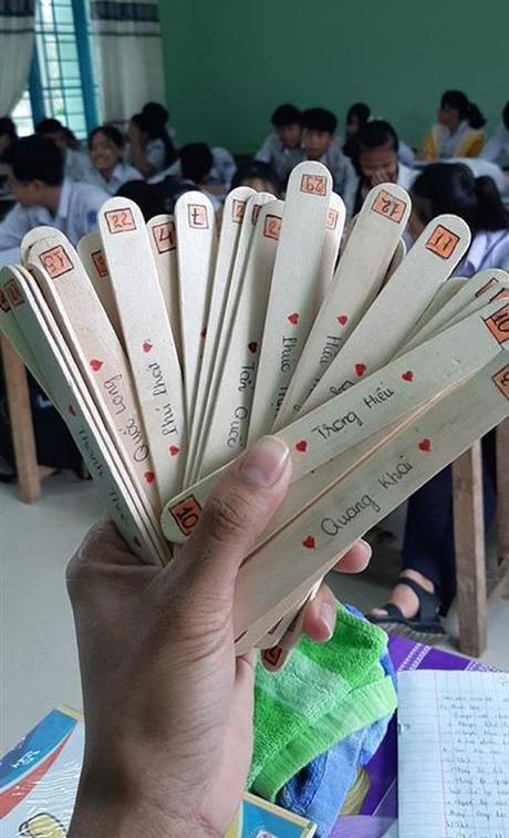 """Những hình thức kiểm tra bài """"bá đạo"""" của thầy cô: Vòng quay may mắn, thẻ bài định mệnh ảnh 4"""