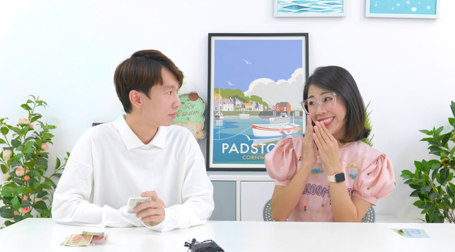 """Sau 1 tháng khóc lóc đòi giải nghệ, Thơ Nguyễn chính thức trở lại với tên """"Thơ Ngáo Ngơ"""" ảnh 1"""