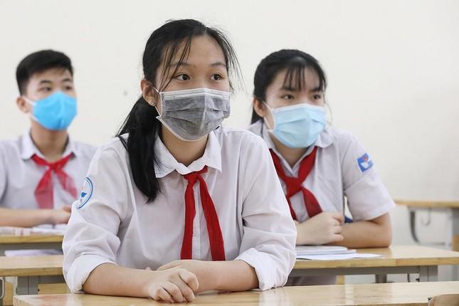 NÓNG: Học sinh Hà Nội ngừng đến trường từ ngày mai 4/5 để phòng chống dịch COVID-19 ảnh 1