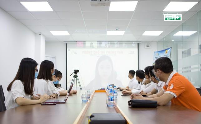 Thành công từ kỳ thi tuyển sinh trực tuyến đầu tiên của Trường Doanh nhân CEO Việt Nam ảnh 1