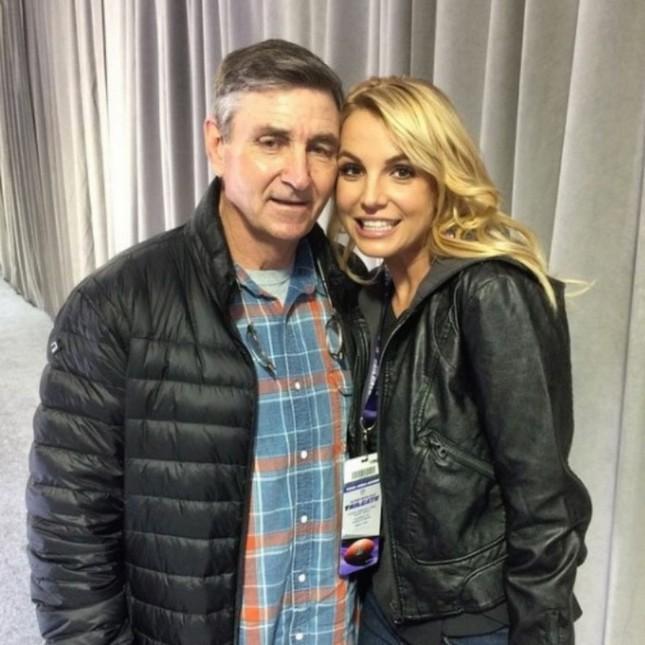 Britney Spears lên tiếng cầu cứu, yêu cầu loại bỏ quyền kiểm soát từ chính cha ruột ảnh 5
