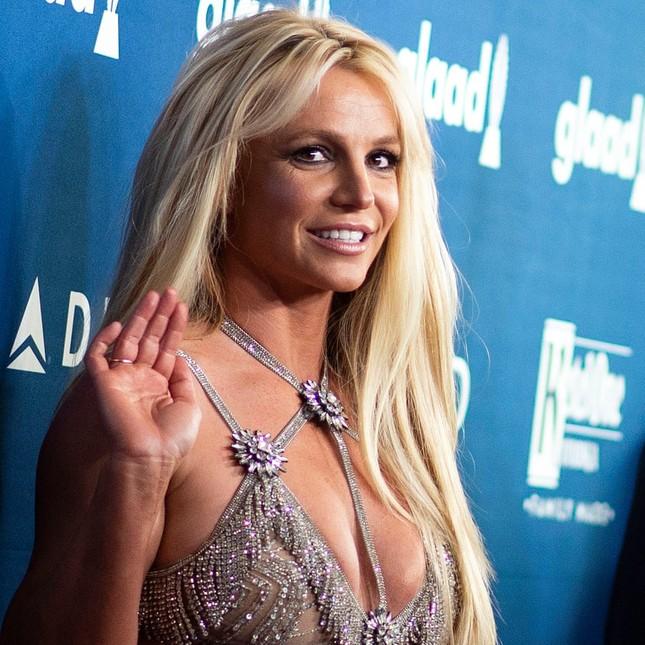 Britney Spears lên tiếng cầu cứu, yêu cầu loại bỏ quyền kiểm soát từ chính cha ruột ảnh 4