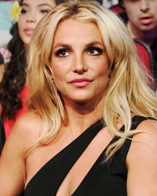 Britney Spears lên tiếng cầu cứu, yêu cầu loại bỏ quyền kiểm soát từ chính cha ruột ảnh 1