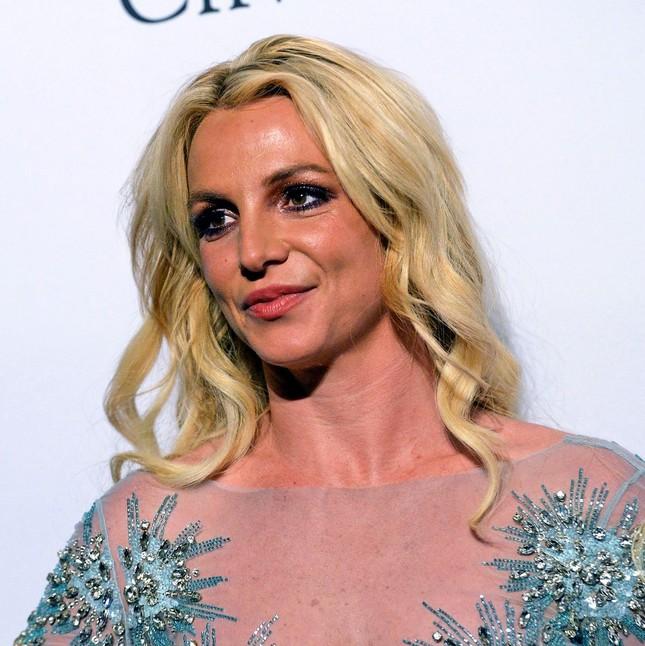 Britney Spears lên tiếng cầu cứu, yêu cầu loại bỏ quyền kiểm soát từ chính cha ruột ảnh 2