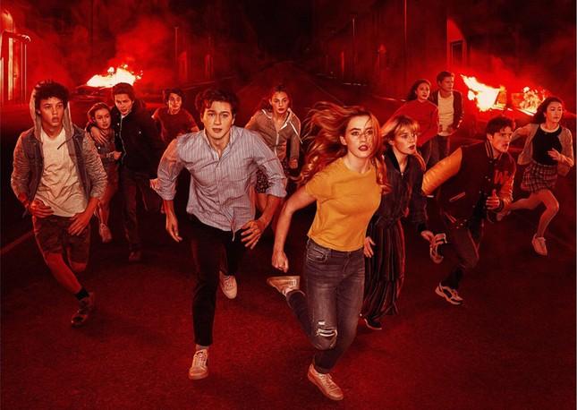 """Những series Netflix vừa tuyên bố """"quay xe"""", fan vội thở phào nhẹ nhõm ảnh 2"""