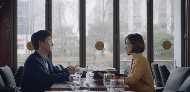 """""""Hospital Playlist"""" tập 10: Ngày hội tỏ tình, """"gắt"""" nhất vẫn là thuyền Song Hwa - Ik Jun ảnh 1"""