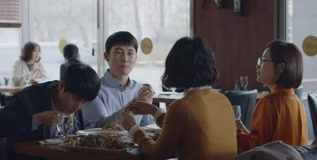 """""""Hospital Playlist"""" tập 10: Ngày hội tỏ tình, """"gắt"""" nhất vẫn là thuyền Song Hwa - Ik Jun ảnh 2"""