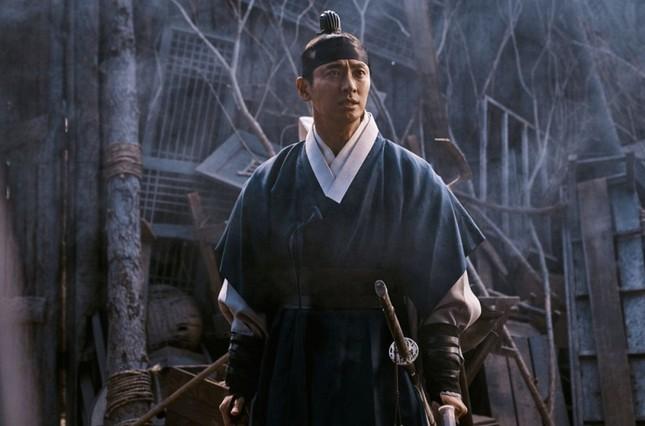 Baeksang 2020: Góp mặt trong nhiều đề cử, liệu Joo Ji Hoon có được gọi tên? ảnh 2