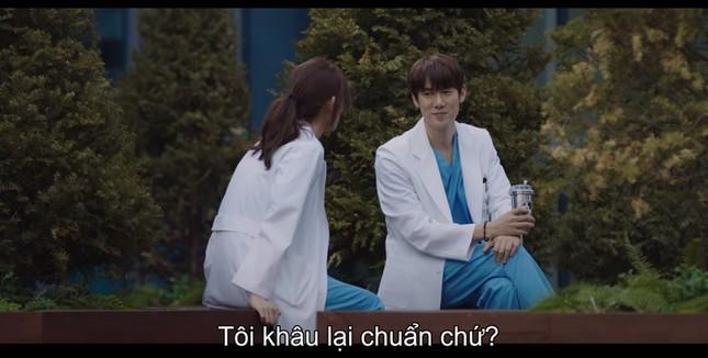 """""""Hospital Playlist"""" tập 11: Cuối cùng Ik Jun cũng trực tiếp thổ lộ thích Song Hwa rồi ảnh 7"""