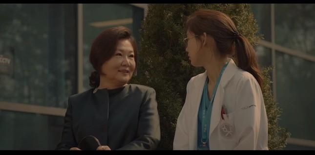 """""""Hospital Playlist"""" tập 11: Cuối cùng Ik Jun cũng trực tiếp thổ lộ thích Song Hwa rồi ảnh 10"""