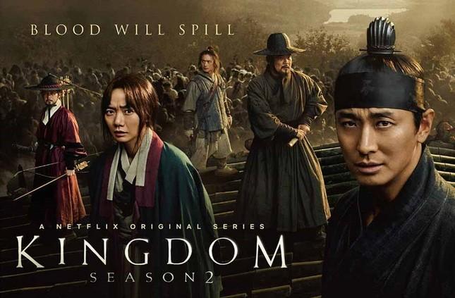 """Joo Ji Hoon, Bae Doo Na lần lượt công bố phim mới, số phận """"Kingdom"""" phần 3 sẽ thế nào? ảnh 3"""
